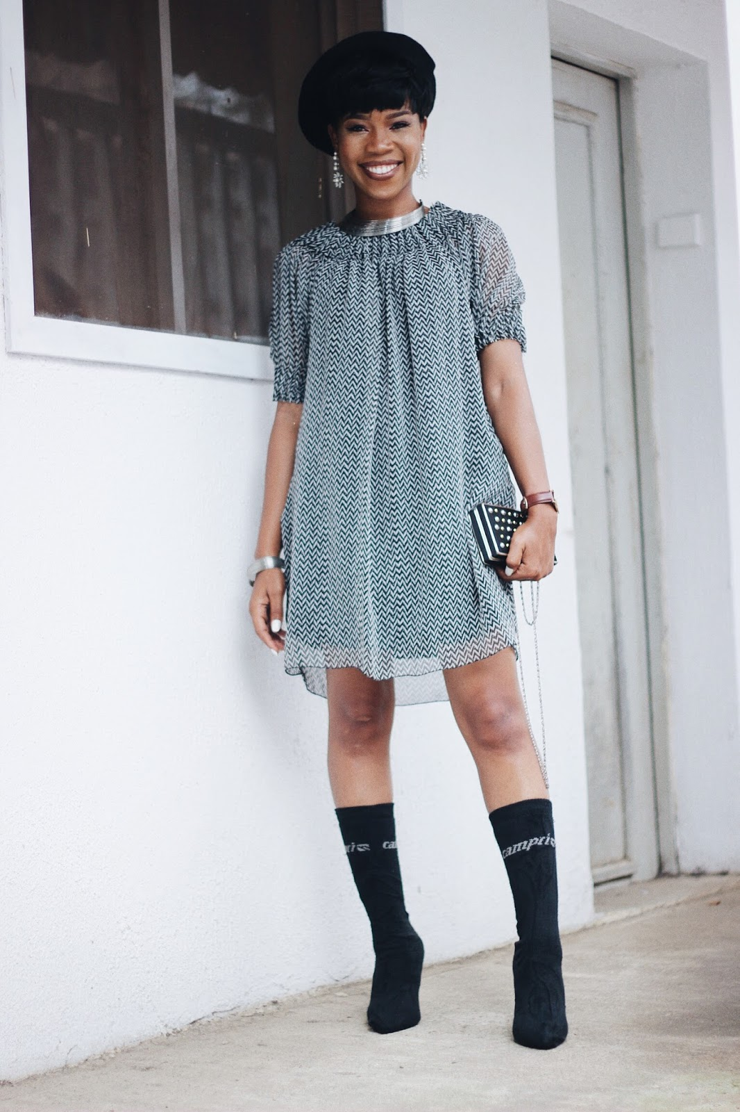 STYLING BLACK PATTERNED DRESS AND BOOT HEELS