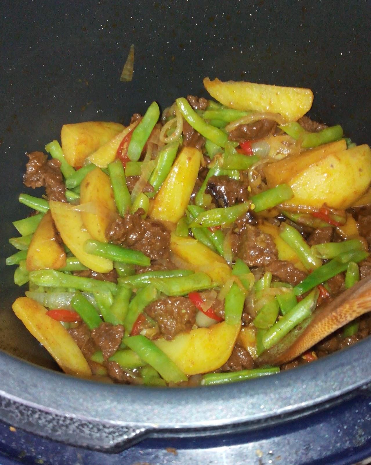 Kitchen Mak Tok Sajian Dapur Bonda Resepi Periuk Noxxa Daging Goreng Kunyit Campur Kentang Dan Buncis