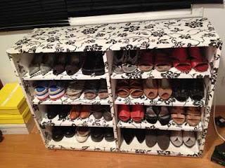 mueble para zapatos hecho con carton reciclado