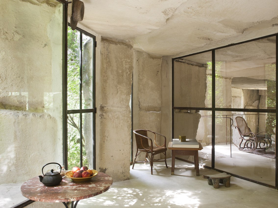 the provence post where to stay in provence a roman quarry. Black Bedroom Furniture Sets. Home Design Ideas