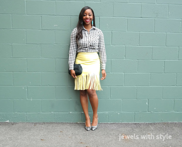 how to wear a button up shirt, new ways to wear a button up shirt, how to wear a button down shirt, button up shirt outfit ideas, fringe skirt, how to wear a leather skirt, jewels with style, columbus stylist, columbus fashion blogger, how to wear flare jeans, black fashion blogger