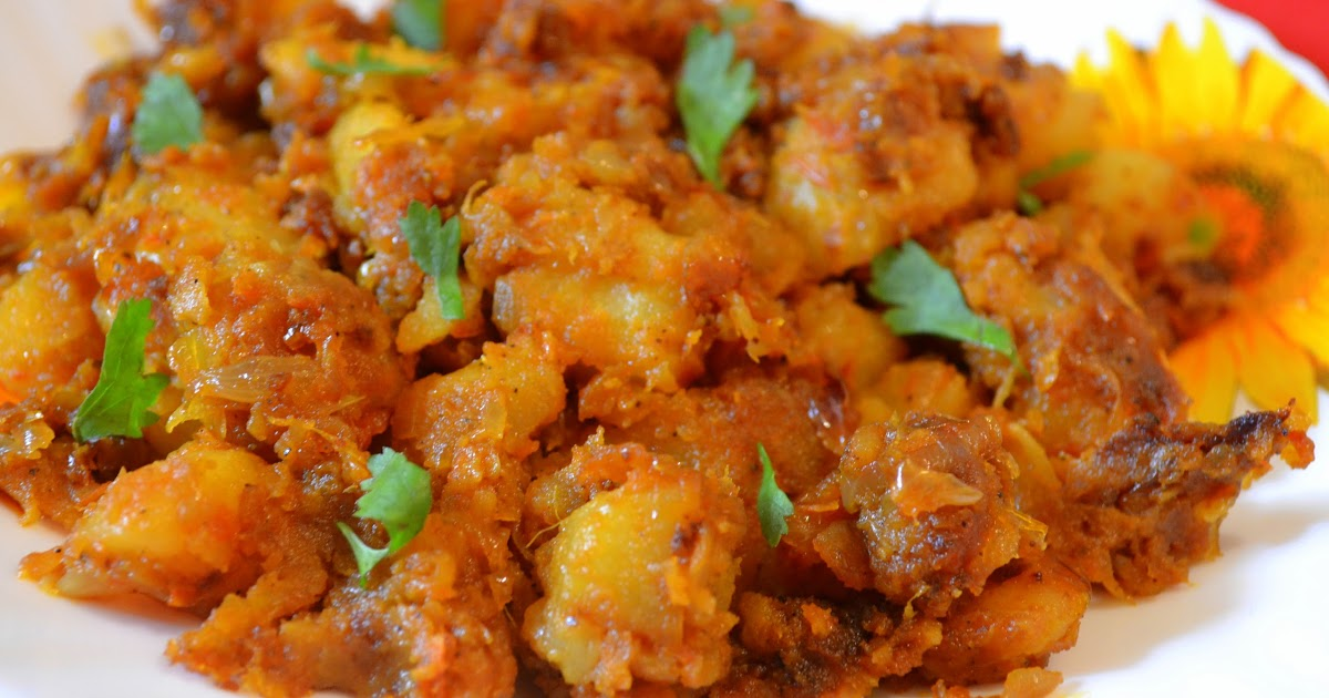Potato fry spicy aloo roast urulai varuval for Indian potato recipes for lunch