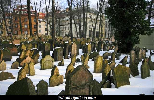 cemiterio goticos judaico de praga inverno sozinho