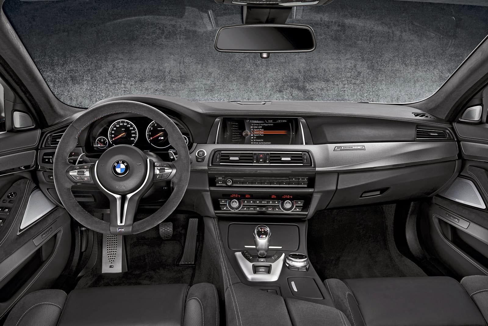[Resim: BMW+M5+30+Jahre+M5+3.jpg]