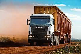 Uso de lona em caminhão de cana-de-açúcar será obrigatório em todo o país
