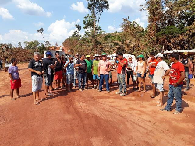 Rodovia Transamazônica continua fechada nas proximidades de Rurópolis.