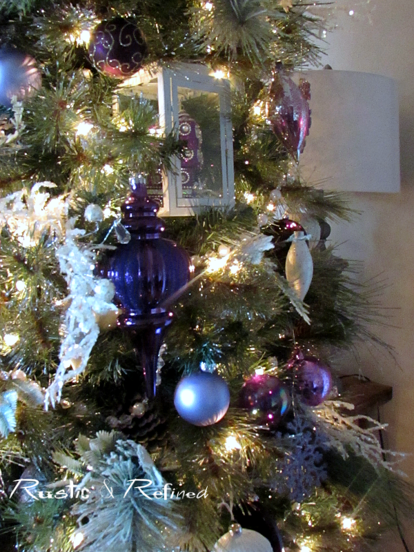 Decorating a Christmas Tree quick and easy!