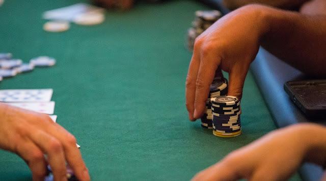casino chips, poker, roulette, black jack