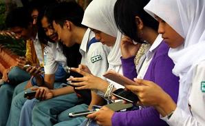 WOOW..!! Remaja yang Aktif Gunakan Ponsel Tidak punya Waktu Tidur Ideal