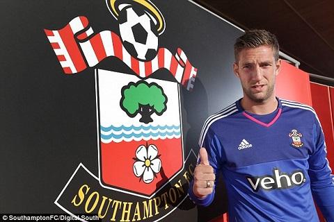Maarten Stekelenburg cũng đã gia nhập Southampton