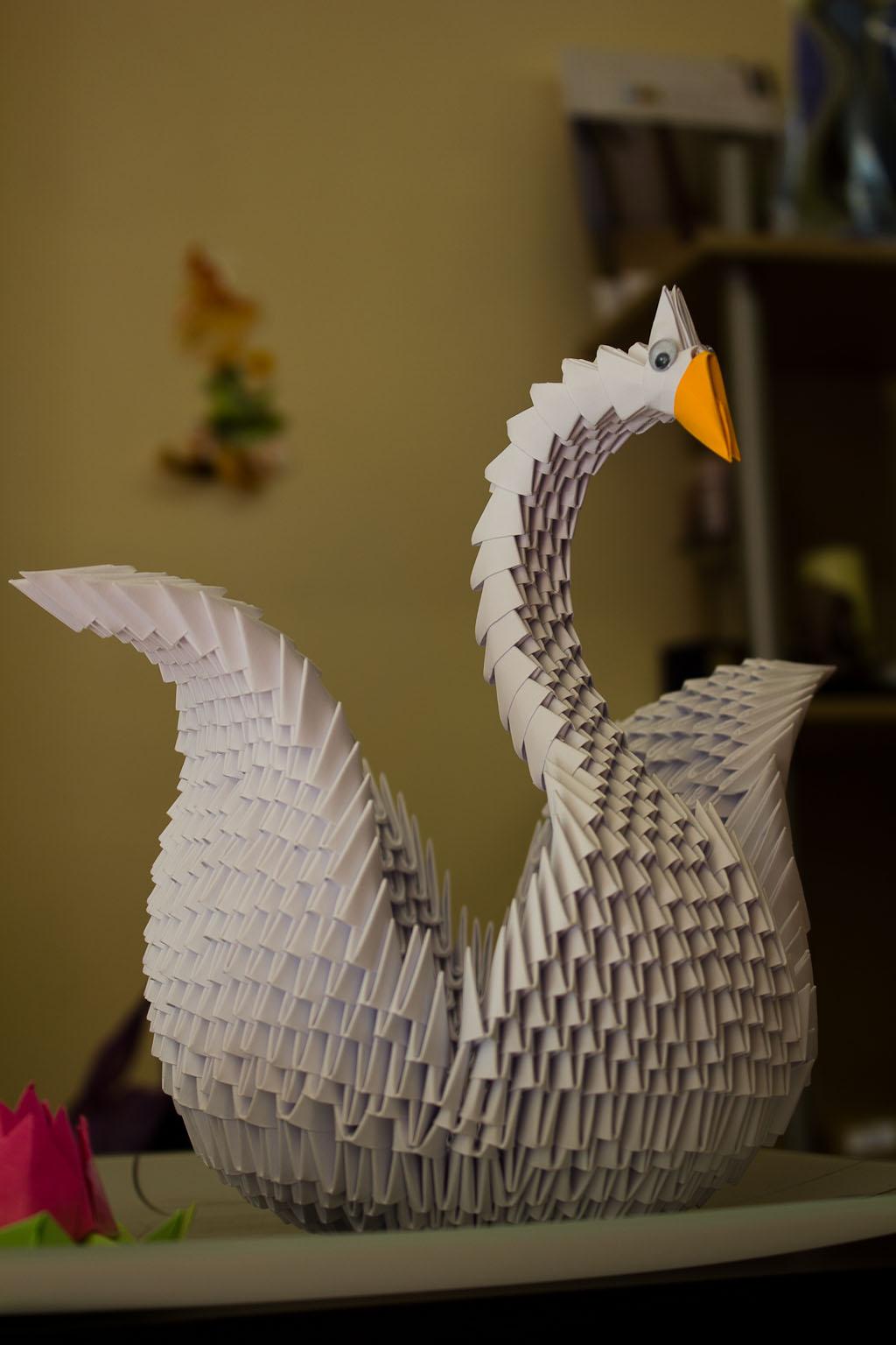 Modular Origami Figurine Swan Folded Paper Stock Photo (Edit Now ... | 1536x1024