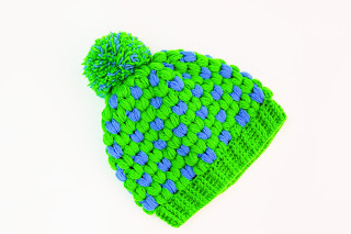 Imagen Gorro de navidad original a crochet azul y verde