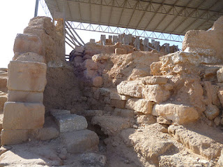 Diferentes hiladas de la muralla del s III a. C