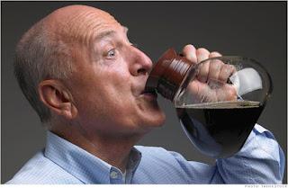 Efek Setelah Minum Kopi Jadi Gemetar..Apakah itu OVERDOSIS ?