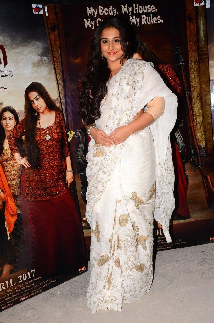Bollywood Actress Stills In White Saree Vidya Balan