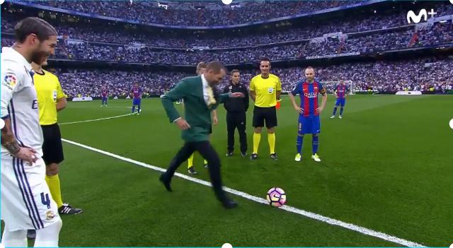 Sergio Garcia El Clasico Kick Off