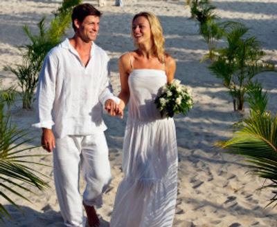 7 Vestidos (de noiva) e algumas idéias para o casamento na praia...!
