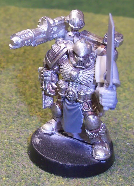 Chaos Space Marine Apothecary Conversion photo ChaosMarineApothecary04.jpg