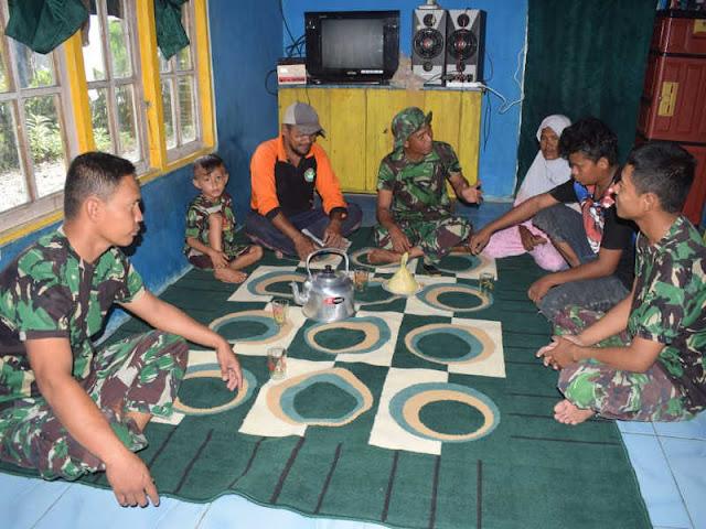 Tinggal dan Tidur Dirumah Warga Sounolu, Bukti TNI Adalah Tentara Rakyat