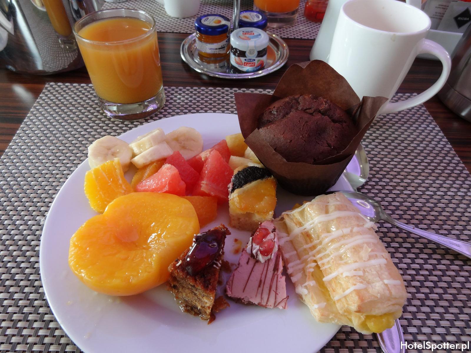 Hilton Budapest hotel recenzja review breakfast