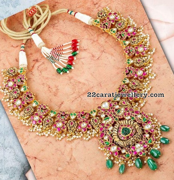 Floral Kundan Necklace with Drops