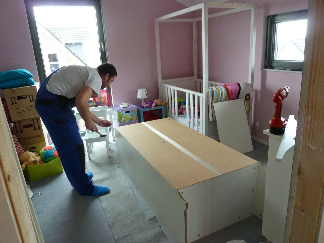 ein meisterst ck haus f r m a d e jetzt wird umgezogen. Black Bedroom Furniture Sets. Home Design Ideas