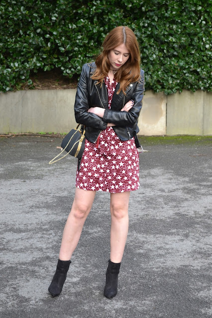 Womens affordable fashion blog ft new years eve outfit. H&M, Glamorous, Primark theft store.