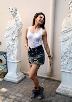 Actress Jacqueline Fernandez  Pictures in Short Skirt at Dishoom Movie Shooting Spot 0004.jpg