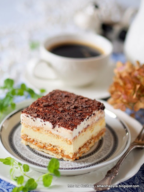 ciasto na niedziele, ciasta domowe, 3 bit, najlepsze ciasto, krakersy, krem budyniowy, z bita smietana, ciasta domowe, deser, ciasto na zimno, bez pieczenia