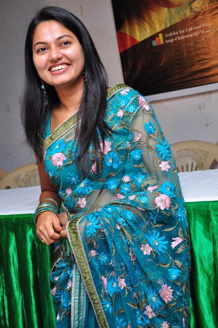 Cute Sneha Wallpapers Latest Tamil Movie Stills New Telugu Movie Photos