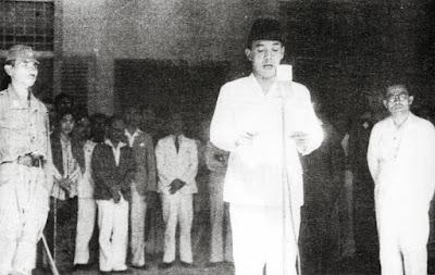 pidato pembacaan proklamasi indonesia oleh bungkarno