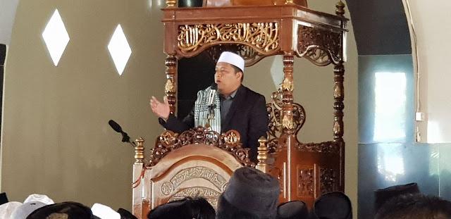 Sholat Jumat di Masjid Taqwa Anabanua, KH Anwar Sadat di Daulat jadi Khotib