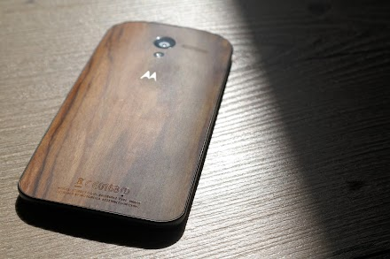 Das Motorola Moto X Walnut im Atomlabor ( Review - 18 Bilder - 4 Videos )