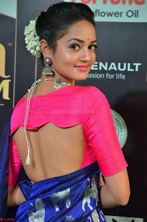 Shanvi Looks Super Cute in Pink Backless Choli Blue Saree at IIFA Utsavam Awards 2017 04.JPG
