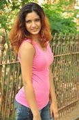 Aarthi glamorous photo gallery-thumbnail-22