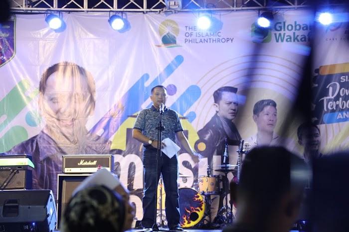 """Simpati Masyarakat pada Gubernur Ridho: dari Konser Amal hingga """"Direct Collecting"""" Dana untuk Korban Tsunami Selat Sunda"""