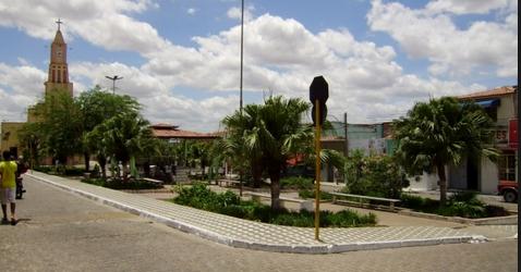 Olho D'Água das Flores: Homem é assassinado em plena praça pública