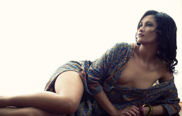 Foto Panas Sisca Meliana Model Berani Telanjang