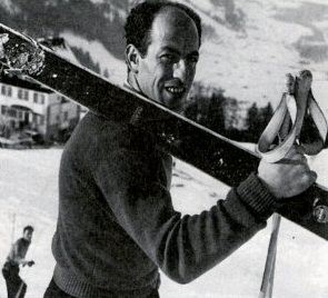 Using wooden skis,Zeno Colo won Olympic and world titles in downhill and giant slalom competitions