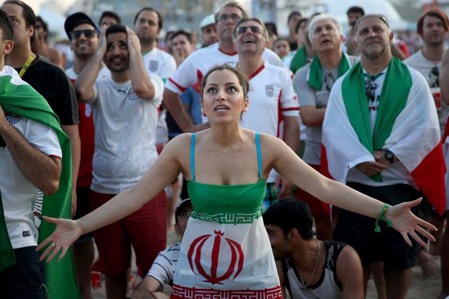 Iran Izinkan Perempuan Menonton Pertandingan Voli Pria