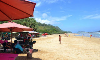 Wisata Keluarga yang Menarik di Pantai Pulau Merah