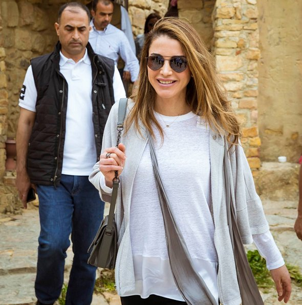 Queen Rania wore Valentino Virgin wool and silk dress for gave an interview with The Sunday Times Magazine. visit Dana Nature Reserve with Thru Hike
