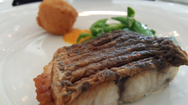 Memotret Ikan Salmon di dalam ruangan dengan kamera Samsung Galaxy S6 edge (Dok.Pri)