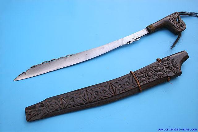 Mandau, traditional weapons of Dayak Kalimantan - VISITINDONESIA