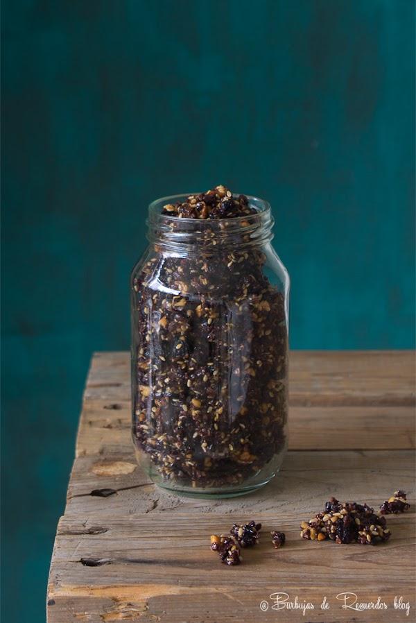 Granola de nibs de cacao con frutos secos: #sincereales #sinhorno