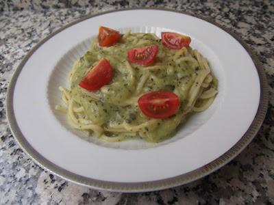 Espaguettis con salsa de calabacin