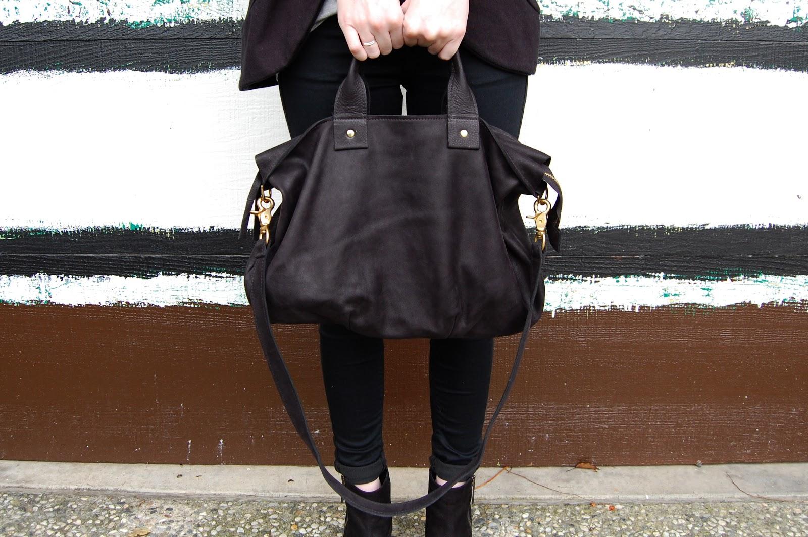 Clare Vivier Messenger Bag In Black 363