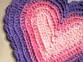 Están hechas con el mismo patrón en forma de corazón de una entrada  anterior 979ea739042
