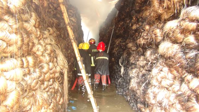 Jute-jute-warehouse-in-Bogra-fire