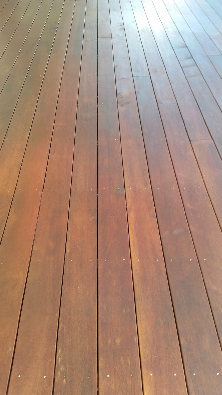 jarrah jungle diy how to oil a timber deck with cabot s aquadeck